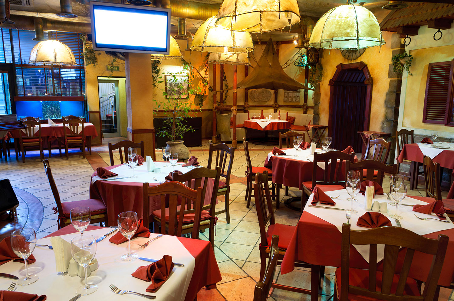 /media/listings/1000/Perfect-Restaurant-Building-Inside-03-1500x1000.jpg